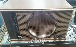 Vintage Zenith Long Distance Radio Model 50633