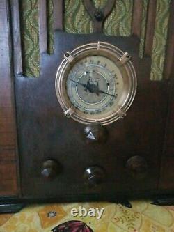 Vintage Zenith Model 807 Tombstone Radio circa. 1930's