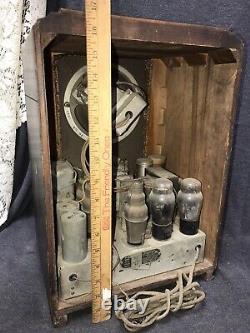 Vintage Zenith Model 807 Tombstone Radio circa 1930's For Parts Or Repair