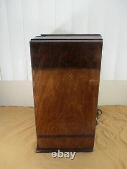 Vintage Zenith Model 807 Tombstone Style Radio Wood Case Series K circa. 1930's