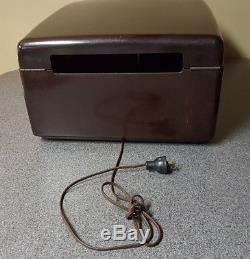 Vintage Zenith Model J 664 Cobramatic Radio Phonograph