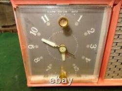 Vintage Zenith Pink Clock Radio Alarm 50's / 60's. Working