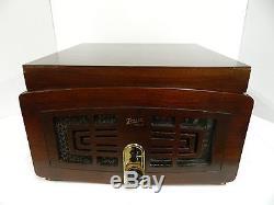 Vintage Zenith Radio/Phono Model 5R085-Z Includes Records