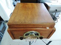 Vintage Zenith Radio Record Player