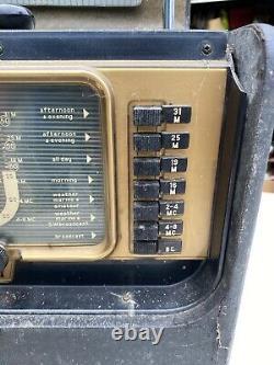 Vintage Zenith Trans-Oceanic Wave Magnet Radio Receiver