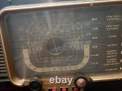 Vintage Zenith Trans Oceanic Wavemagnet Short Wave Radio pre-owned