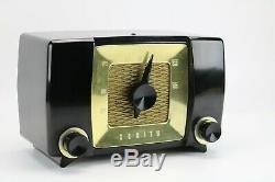 Vintage Zenith Tube Radio Model H615Z Bakelite Cabinet 1951 Mid Century Modern