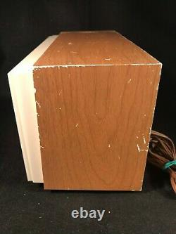 Vintage Zenith X318M AM/FM Tube Table Radio Works Great WITH ORIGINAL BOX