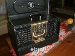 Vintage old antique tube radio Zenith Trans-Oceanic G-500 short wave working