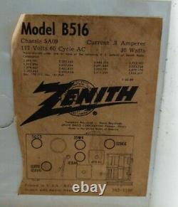 Vtg Zenith 5 Tube AM Clock Radio Model -B516. 1960s Mid Century