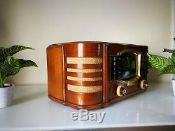 Wonderful collectible radio Zenith 7S633R with Automatic radio station tuning
