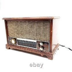 Working Vintage Zenith AM/FM Long Distance Tube Radio Model K731 Wooden Tabletop