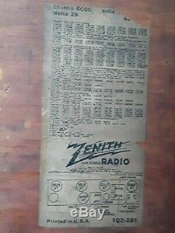 Working Zenith model 6D030 6 tube Eames Art Deco table top Radio vintage 1946
