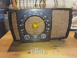 ZENITH H723 Bakelite Radio Great Cosmetic Condition and it Works