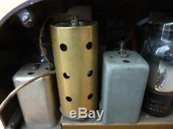 ZENITH Model 6D311 tube radio 1939 made in USA art deco machine age design Nice