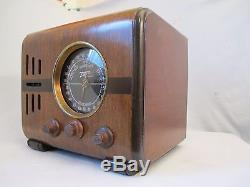 ZENITH TABLE RADIO Mdl. 5S218 CUBE Restored
