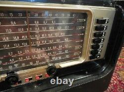ZENITH TRANSOCEANIC SHORTWAVE RADIO 600 Series Working, but needs TLC