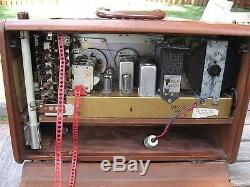 ZENITH TRANS-OCEANIC TRANSOCEANIC R600 SHORTWAVE RADIO