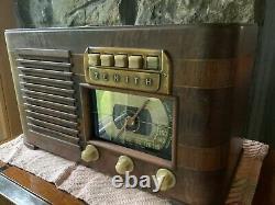 Zenith 1941 table radio, radio Model 6S527 & Ch. 6A02
