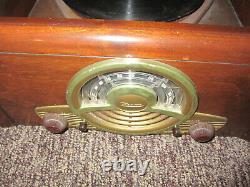 Zenith 1947 tube radio 6r886 Tabletop radio Cobra matic phonograph Works read
