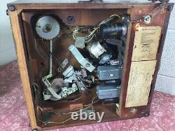Zenith 1948 tube radio Model 6r886 Tabletop radio Cobra phonograph 6EO2 Chassis