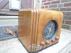 Zenith 5S126-226 Restored Wood Cube Tube Radio Black Dial 1937 1938 Round Glass