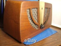 Zenith 6D030 Z Tube Radio Must See! Refinished, Restored. EX condition