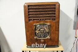 Zenith 6D138 Tombstone Radio 1937 6-D-138 Tube Powers Up