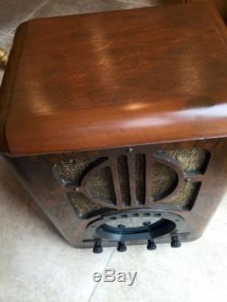 Zenith 6s330 Radio, Tombstone, Working