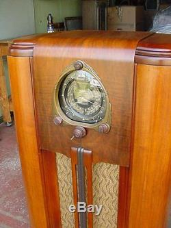 Zenith 7J259 Console Radio