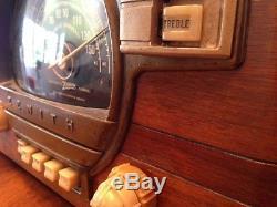 Zenith 7S 529, 1940's Rare Tube Radio, Original Finish, Deco, Fully Operational