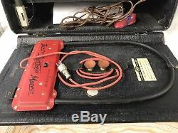 Zenith 8G005TY Transoceanic Portable Tube Radio