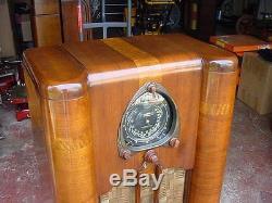Zenith 9s262 Console Radio