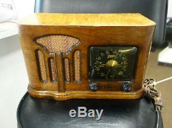 Zenith Antique Radio Model 6-D-628