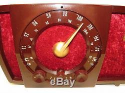 Zenith Art Deco Bakelite Plastic Case AM FM Tube Radio Model T723 Works Great