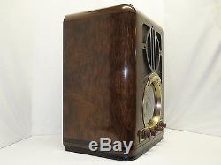 Zenith Art Deco Tombstone Wood Case AM SW Tube Radio Model 6S330 Works Great