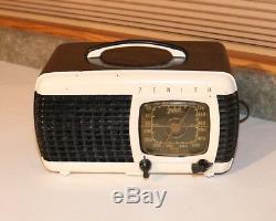 Zenith Bakelite Radio 6D520 W