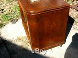 Zenith Deluxe Chair Side Floor Radio Model 8S531/548 Origional Finish 1940