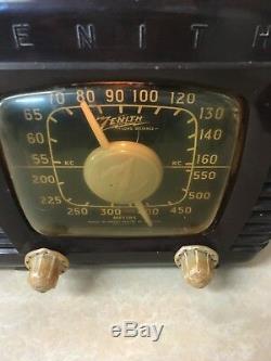 Zenith Long Distance Working Tube Radio Bakelite
