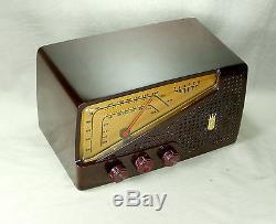 Zenith Mod G723 Antique Bakelite AM/FM Tube Radio 1950 Serviced & Working