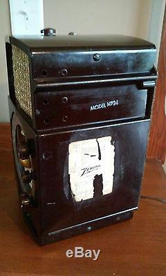 Zenith Mod H724 Bakelite Cabinet AM/FM Tube Radio 1951 Works & Sounds Great