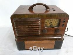 Zenith Model 5g403 Portable Radio