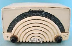 Zenith Model 8H023 Factory Painted Bakelite AM/FM Tube Radio Armstrong Tuner