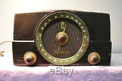Zenith Model K725 Tube Radio