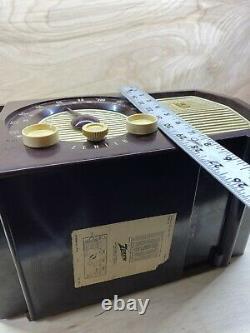 Zenith Model S-22922 Vintage Am/FM Tube Radio Bakelite Case Good Condition