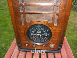 Zenith Tombstone Radio