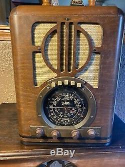 Zenith Tombstone Tube Radio 6s-330