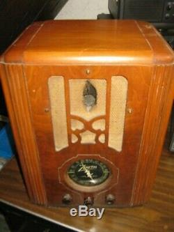 Zenith Tombstone tube radio 1937 Model 6-B-131