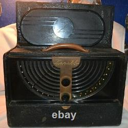 Zenith Universal Long Distance Wavemagnet Radio. Untested May require repair