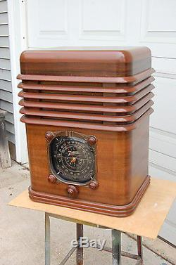 Zenith Zepher Tombstone Radio 6S-137